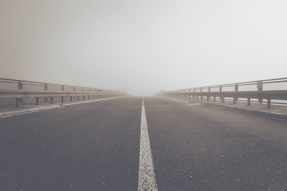 Conducción en días de niebla espesa