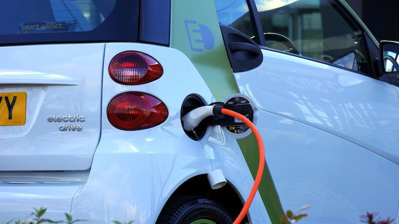 El coche eléctrico como sustituto del coche diesel o gasolina